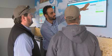 'Roadshow brings new technology to farming in Heartland
